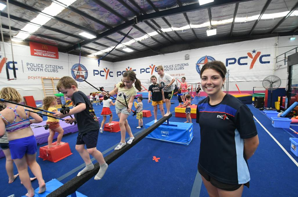 HAVING FUN: Activities officer Chelsea Bestwick supervising children at the Bathurst PCYC on Wednesday. Photo: CHRIS SEABROOK 011321cpcyc1