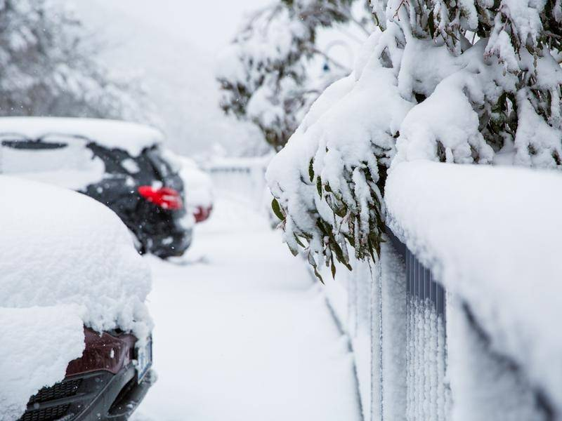 Snow has fallen around the Central and Southern Tablelands and higher parts of the ACT.